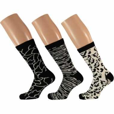 Goedkope 3 pak dames sokken zwart/wit maat 35 42 type 2