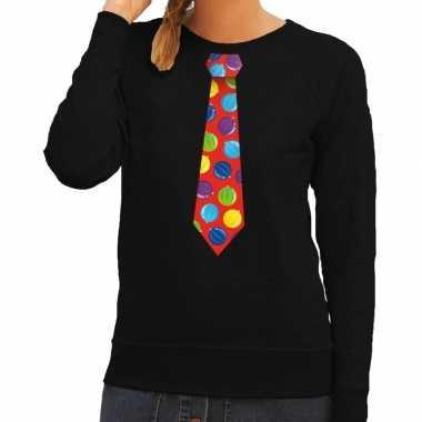 Goedkope foute kerst sweater met kerstballen stropdas zwart voor dame