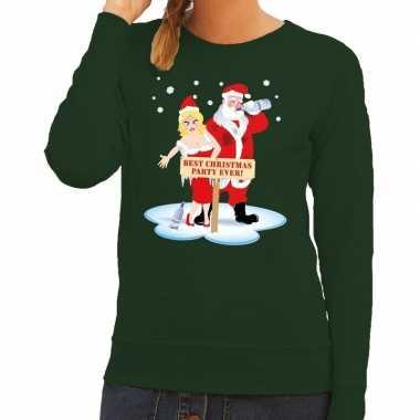 Goedkope foute kersttrui groen met een dronken kerstman en zijn vrouw