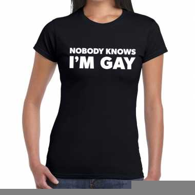 Goedkope gay pride nobody knows i am gay shirt zwart dames