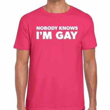 Goedkope gay pride shirt nobody knows i am gay roze heren