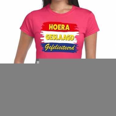 Goedkope hoera geslaagd gefeliciteerd roze fun t shirt voor dames