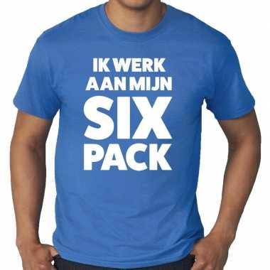 Goedkope ik werk aan mijn six pack fun t shirt blauw voor heren