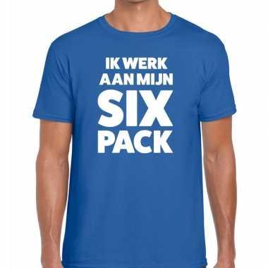 Goedkope ik werk aan mijn six pack fun t shirt voor heren blauw