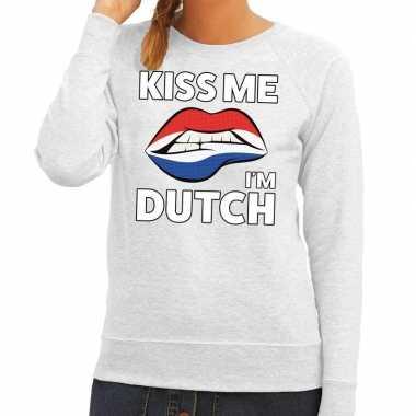 Goedkope kiss me i am dutch grijze trui voor dames