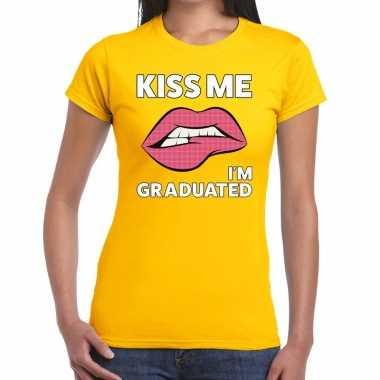 Goedkope kiss me i am graduated geel fun t shirt voor dames