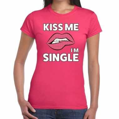 Goedkope kiss me i am single roze fun t shirt voor dames