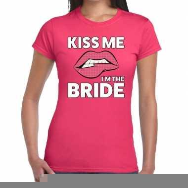 Goedkope kiss me i am the bride roze fun t shirt voor dames