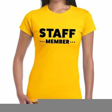 Goedkope personeel t shirt geel met staff member bedrukking voor dame