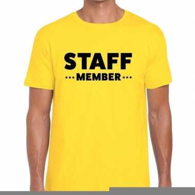 Goedkope personeel t shirt geel met staff member bedrukking voor here