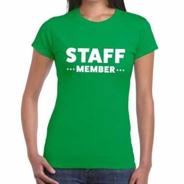 Goedkope personeel t shirt groen met staff member bedrukking voor dam