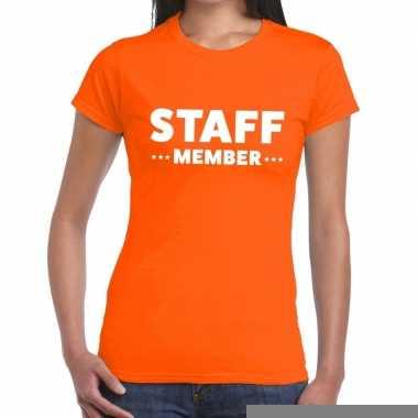 Goedkope personeel t shirt oranje met staff member bedrukking voor da