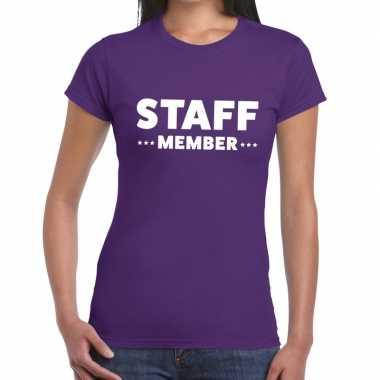 Goedkope personeel t shirt paars met staff member bedrukking voor dam
