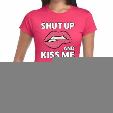 Goedkope shut up and kiss me roze fun t shirt voor dames