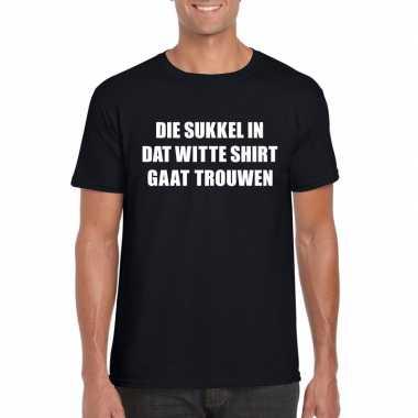 Goedkope vrijgezellen t shirt vrienden/ die sukkel gaat trouwen zwart
