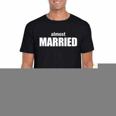 Goedkope vrijgezellenfeest almost married t shirt zwart voor heren
