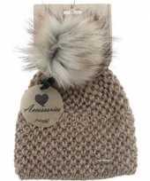 Goedkope warme winter muts taupe gebreid met bonten pompon pluim voor dames volwassenen